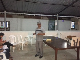 Pastor Rodrigo teaching Christian Ethics.